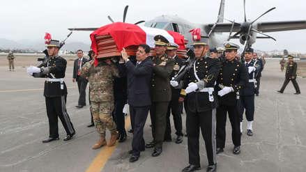 Restos del ministro José Huerta son velados en el Cuartel General del Ejército