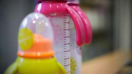 Este es el insumo que la Fiscalía busca prohibir en envases de alimentos para niños y bebés