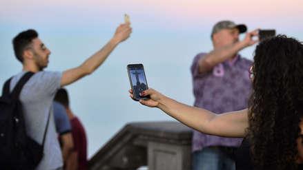 Las selfis son cinco veces más mortales que los ataques de tiburón