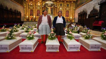 El momento que tanto esperaban | Familiares reciben los restos de 64 asesinados en la época del terrorismo en Ayacucho