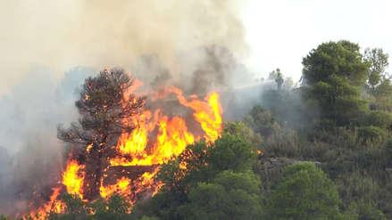 Las imágenes del incendio descontrolado que arrasa con 6,500 hectáreas en el norte de España