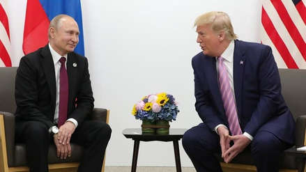 """Donald Trump bromea con Vladímir Putin: """"No te metas en las elecciones"""""""