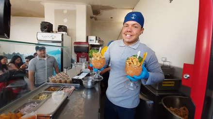 Conoce al venezolano que llegó al Perú para vender arepas y terminó preparando ceviche