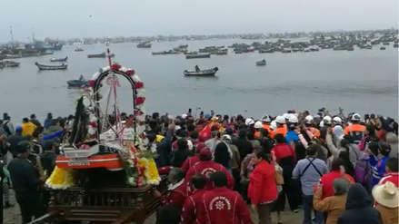 Dos embarcaciones chocaron durante celebración por Día de San Pedro: el accidente dejó 5 heridos