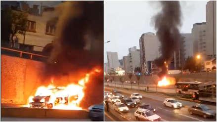 Miraflores | Un auto se incendió y restringió el tránsito en la Vía Expresa