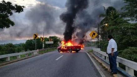 México: Criminales queman vehículos como amenaza a la recién creada Guardia Nacional