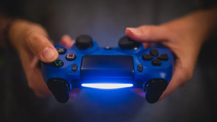 PlayStation 5 se centrará en costosas producciones y jugadores 'hardcore', desarrolladores indie se sienten dejados de lado