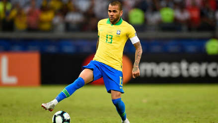 Brasil vs. Argentina en la Copa América: el curioso gesto de Dani Alves en el tiro libre de Lionel Messi