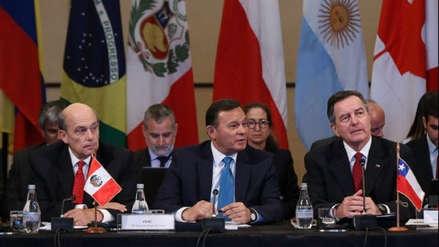 Perú invita a cien países para discutir en agosto la crisis en Venezuela