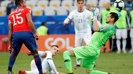 ¡Evitó el tercero de Argentina! La doble atajada de Gabriel Arias al inicio del segundo tiempo