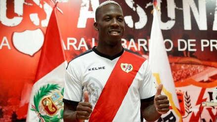 Rayo Vallecano evalúa comprar a Luis Advíncula para luego venderlo o cederlo, según EFE