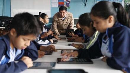 Ministra Flor Pablo: Los profesores recibirán 2,200 soles como sueldo a fin de año
