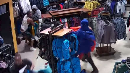 Diez ladrones robaron US$ 30,000 en ropa de una tienda en menos de 30 segundos