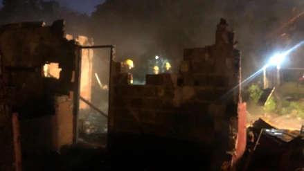 Salieron a bailar, dejaron a sus hijos solos y murieron calcinados en incendio en Buenos Aires