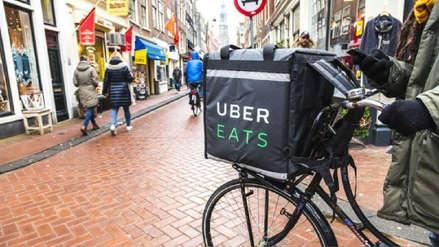 Uber contrata a personas de la tercera edad para reparto de comida en Japón