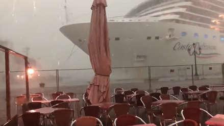 Crucero gigante pierde el control en Venecia y casi choca contra un yate [VIDEO]