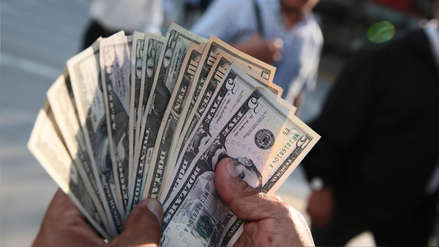Tipo de cambio cerró a la baja este lunes ¿Cuál es su cotización?