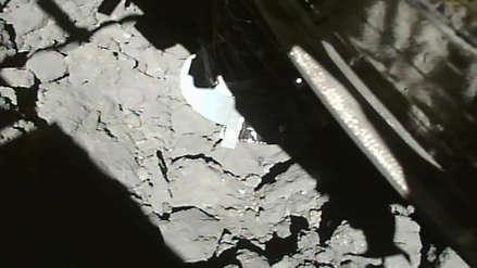 Sonda espacial logró tomar muestras subterráneas de un lejano asteroide [FOTOS]