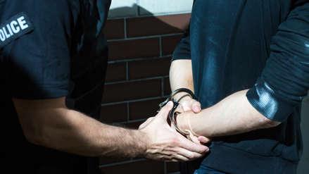 Policía confundió a un testigo con su cita de Internet y ahora es investigado por agresión sexual