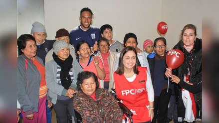 Pedro Gallese visitó la Fundación Peruana de Cáncer