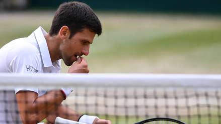 ¡Repitió la tradición! Novak Djokovic comió una pizca del césped de la cancha tras ganar el Grand Slam