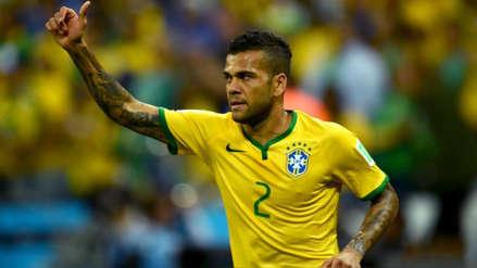 Lo quieren de todos lados: Dani Alves en la mira de tres clubes de la Premier League