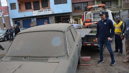George Forsyth encabezó operativo para retirar autos abandonados en calles de La Victoria [FOTOS]