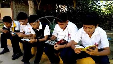 'Quiosco lector de cómics' da la vuelta al mundo y desata campañas de donación de libros