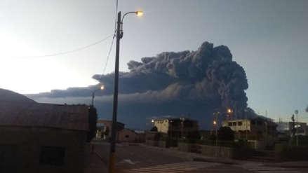 Aumenta actividad del volcán Ubinas y el IGP recomienda activar la alerta naranja