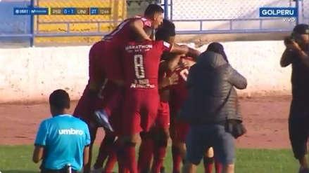 Germán Denis anotó el primer gol de Universitario ante Pirata FC tras gran pase de Henry Vaca