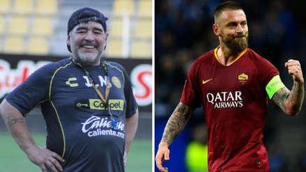 ¡Le dio la bendición! Boca Juniors: Diego Armando Maradona le dio la bienvenida a Daniele De Rossi
