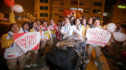 ¡Con el aliento de todos!  Delegación de Perú ingresó a la Villa Panamericana en medio de aplausos y barras de los voluntarios