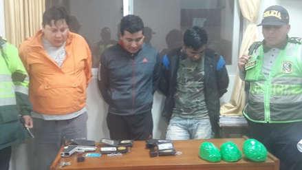 Capturan a dos policías y a otra persona con tres kilos de droga en Ascope (VIDEO)