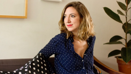 """Mariana Ruiz Johnson presenta """"La gallina y el monstruo"""": """"Los niños son grandes lectores de imágenes"""