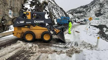 Se registran bloqueos de vías por caída de nieve en Cusco (Fotos)