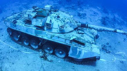 10 fotos del espectacular museo militar submarino inaugurado en el mar Rojo