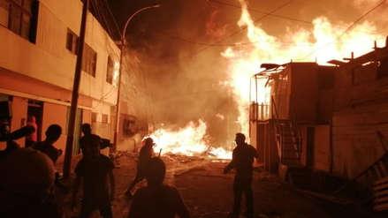 15 fotos que deja el enorme incendio que ha destruido decenas de casas en el Callao [FOTOS]