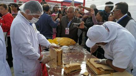 Fiestas Patrias: Reparten más de 3,000 porciones de king kong en Lambayeque