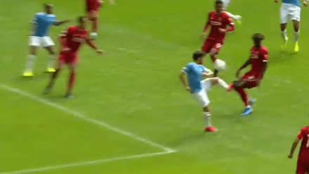 Liverpool vs. Manchester City: el gol de Sterling con magnífico pase de taco de David Silva