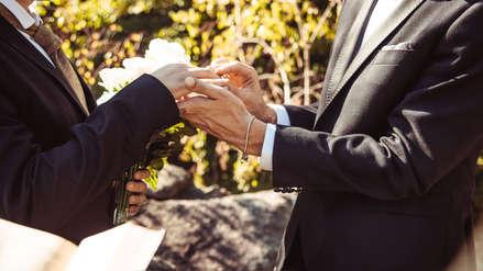 PJ ordena al Reniec reconocer el matrimonio de dos hombres peruanos que se casaron en EE.UU.