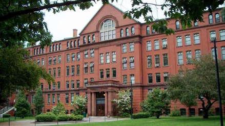 Policía captura sospechoso de asesinato que fue visto armado en la universidad de Harvard