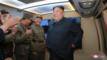 """Kim Jong-un dice que las pruebas de misiles fueron una """"advertencia"""" para EE.UU. y Corea del Sur"""