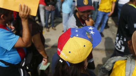 ¿Cuántas horas, en qué trabajan y cuánto ganan los venezolanos en Perú?