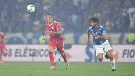 ¡Calidad! Paolo Guerrero dio una gran asistencia que casi termina en gol en el Internacional vs. Cruzeiro