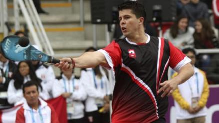 ¡Emotivo! El peruano Kevin Martínez consoló a su compañero en la derrota en frontenis en los Juegos Panamericanos