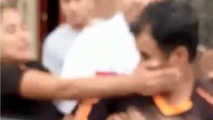 Video   Vecinas golpean a hombre acusado de tocamientos indebidos contra una niña