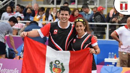 ¡Orgullo nacional! Claudia Suárez y Kevin Martínez celebraron sus medallas de oro con la bandera peruana