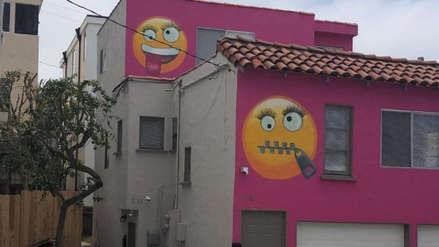 Una casa rosada con emoticones generó una inusual pelea entre vecinos en EE.UU.
