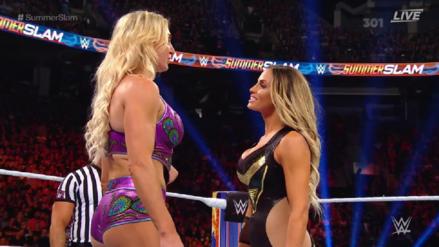 Trish Stratus se despidió de la lucha libre con un último duelo ante Charlotte Flair en SummerSlam