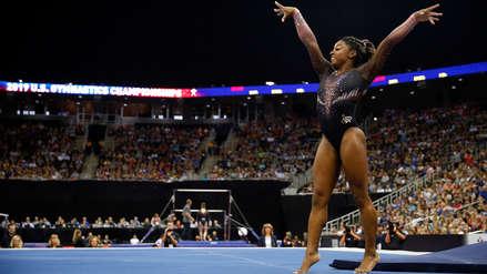 ¡Espectacular! Simone Biles es la primera gimnasta en hacer un doble salto mortal con triple giro
